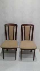 Два стула, б/у,  недорого,  в хорошем состоянии,  деревянный каркас .